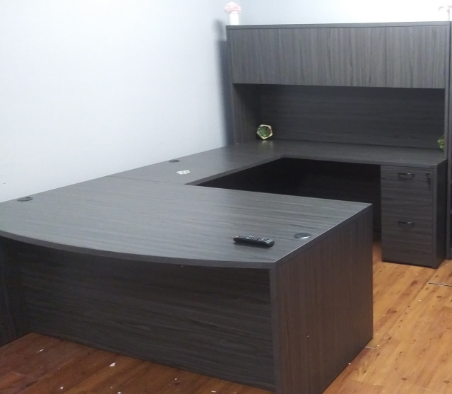 "72""x108"" U Shape Desk With 2 Drawer File Unit"