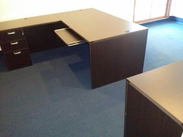 "71""x84"" Straight Front L Desk With 3 Drawer File & Keyboard Tray"