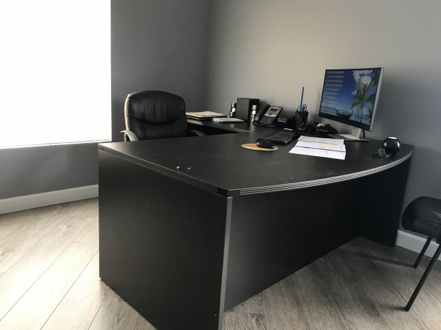 "72""x78"" Bow Front L Desk (no drawers)"