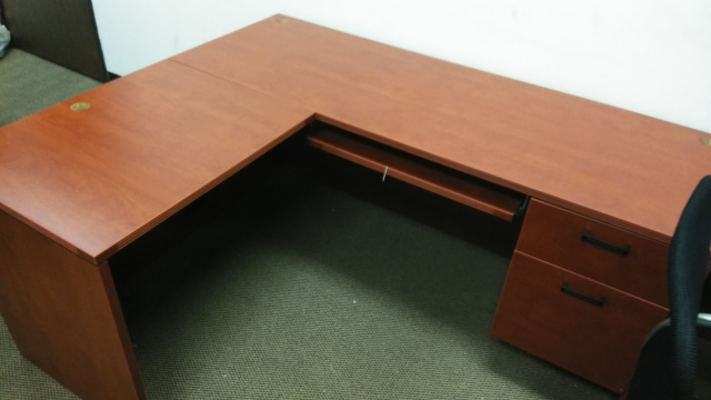 "60""x66"" L Desk With Hanging File Unit & Keyboard Tray"