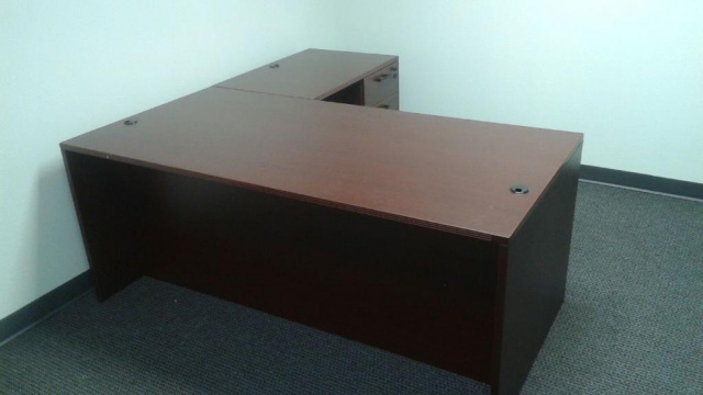 "71""x71"" Straight Front L Desk With Suspended 2 Drawer File Unit"