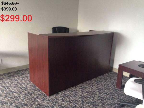 "72""x30"" Reception Desk Shell With Rounded Top (no drawers)"