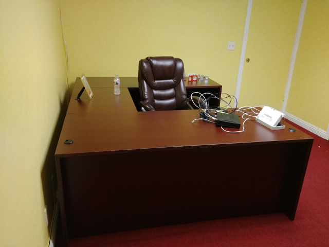 "66""x95"" U Desk (no drawers)"