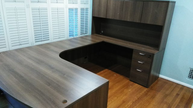 "72""x102"" Right Curved Bow U Desk With 3 Drawer File Unit"